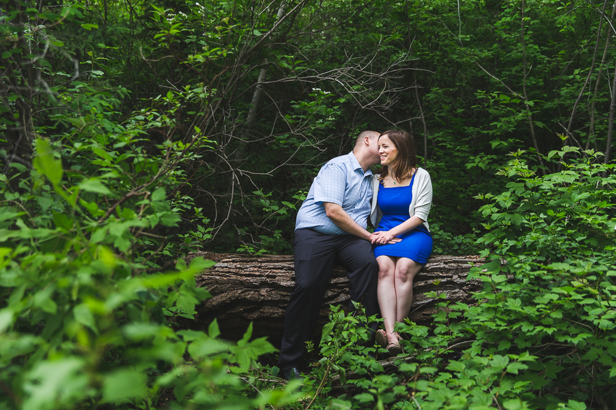 Engagement Photos in Hawrelak Park