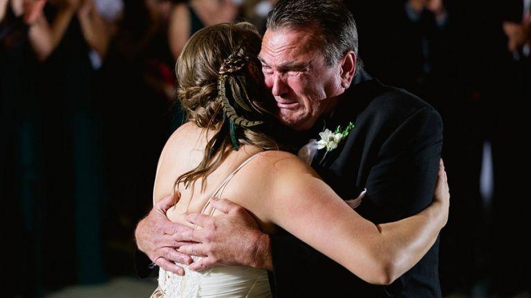 Edmonton Wedding Photographers - Father & Daughter first dance